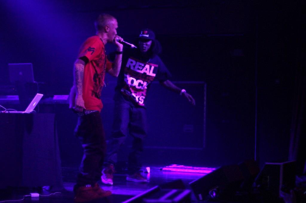 Bizerk and Dot performing live at bone thugs n harmony concert