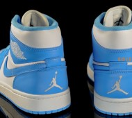 Air-Jordan-1-Retro-White-University-Blue-04