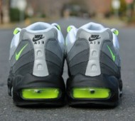nike-air-max-95-og-neon-arriving-at-retailers-3-570x399