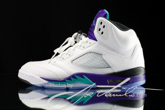 air-jordan-v-grape-detailed-images-2-570x380