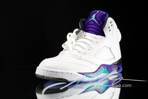 air-jordan-v-grape-detailed-images-3-570x380