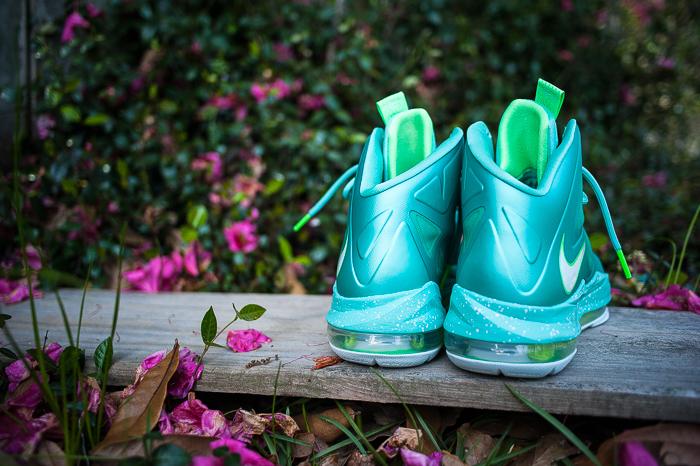 Nike-LeBron-X-GS-Easter-02