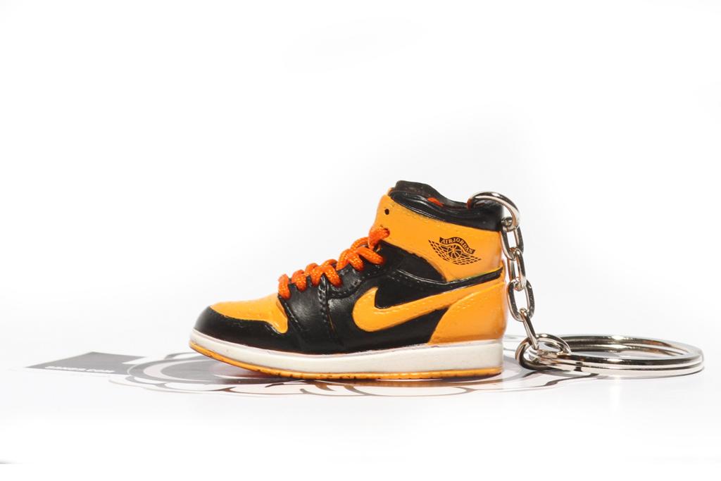 new love jordan 1 sneaker keychain