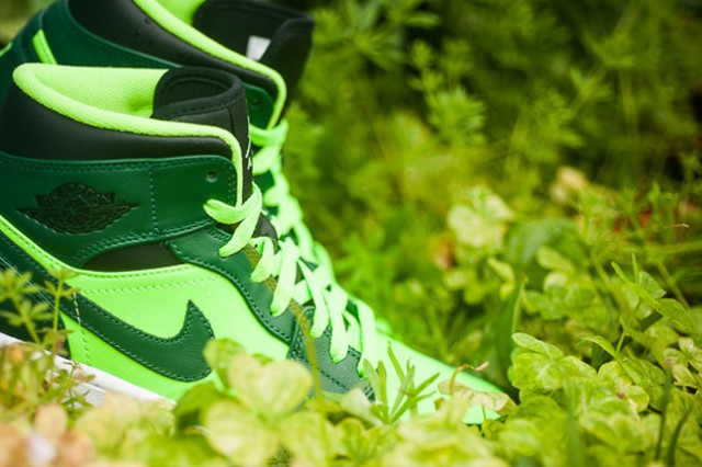 jordan-1-mid-electric-green-details-1