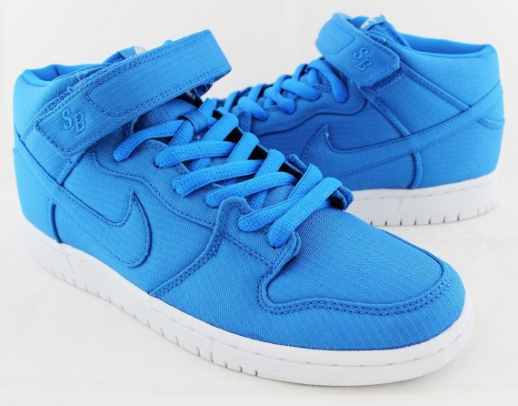 nike-sb-dunk-mid-photo-blue-ripstop-nylon-05-570x446