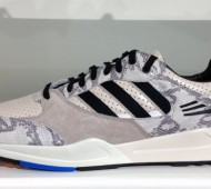adidas-originals-tech-super-snakeskin-august-2013-7-570x331