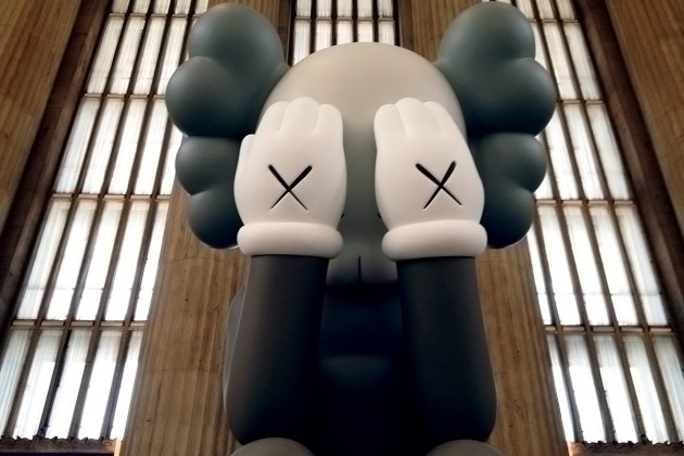 kaws-companion-passing-through-at-30th-street-station-in-philadelphia-01-630x420