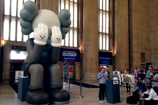 kaws-companion-passing-through-at-30th-street-station-in-philadelphia-03-630x420