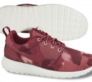 nike-roshe-run-camo-fusion-red-noble-red-sail-august-2013