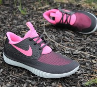 nike-solarsoft-mocassin-black-pink-hero-profile-1