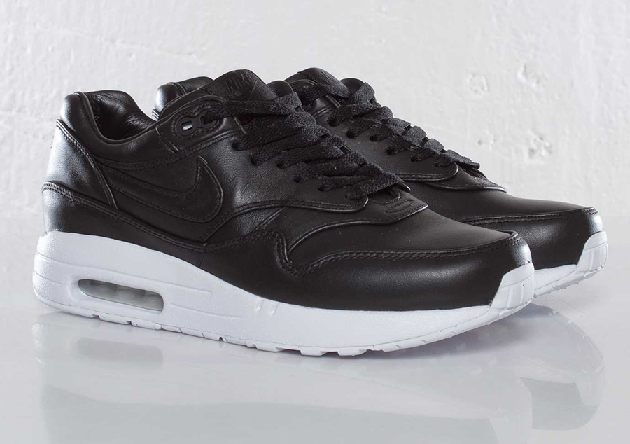 nike-wmns-air-maxim-1-sp-black-white-2