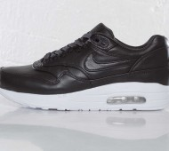nike-wmns-air-maxim-1-sp-black-white-7