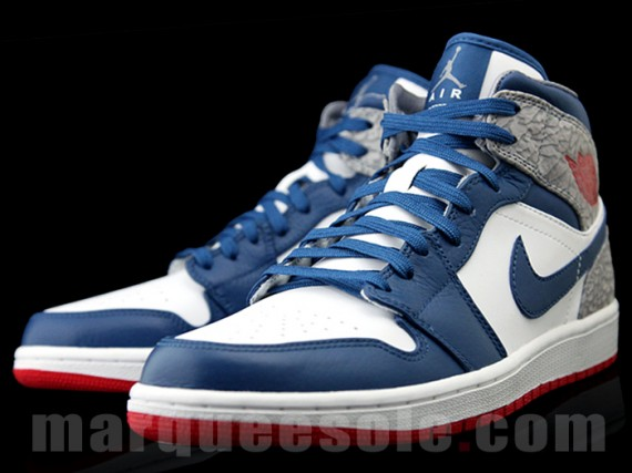 air-jordan-1-phat-true-blue-05-570x427