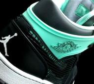 green-glow-air-jordan-1-89-04