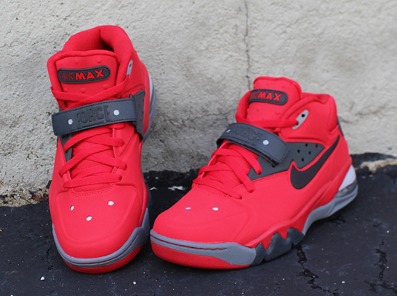 nike-air-force-max-2013-fire-red-toro-2