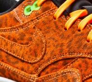 nike-air-max-1-fb-orange-leopard-3