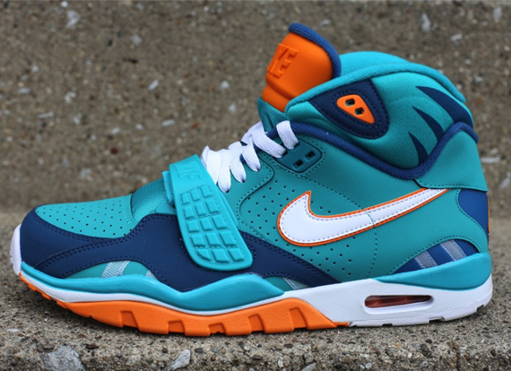 nike-air-trainer-sc-ii-miami-dolphins