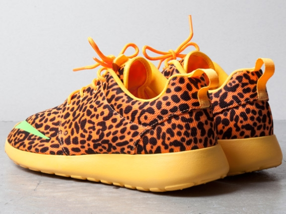 nike-roshe-run-fb-orange-leopard-02