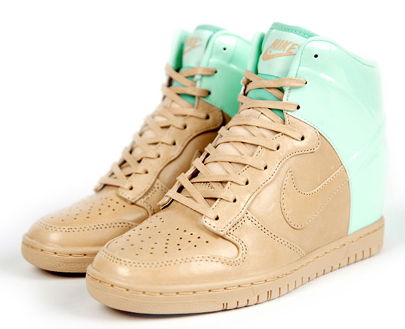 nike-wmns-dunk-sky-high-vt-qs-2
