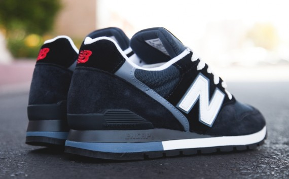 new-balance-996-navy-teal-white-available-04-570x353