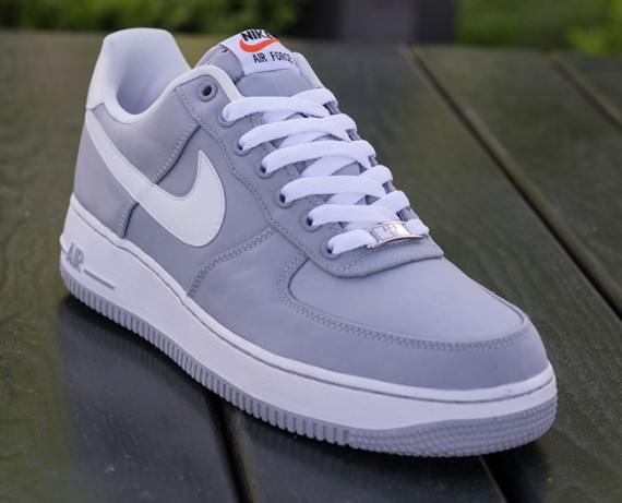 nike-air-force-1-low-nylon-july-2013-06-570x461