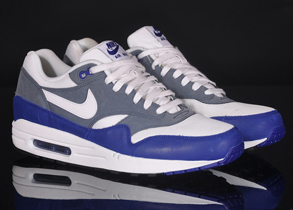 nike-air-max-1-essential-deep-royal-blue-2