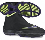 nike-air-zoom-flight-the-glove-black-court-purple-volt-2-570x488