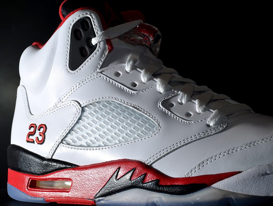 air-jordan-v-fire-red-arriving-at-retailers-2