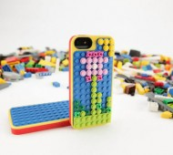 lego-belkin-iphone5-case-highsnobiety-2