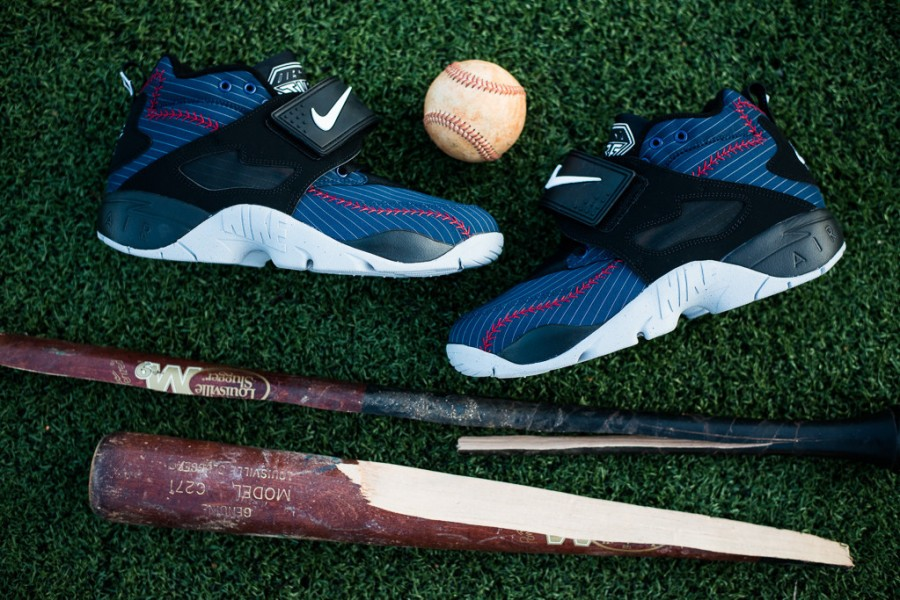 nike-air-diamond-turf-baseball-6-900x600