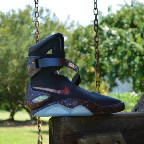 nike-mag-2011-joe-haden-customs-02-570x570