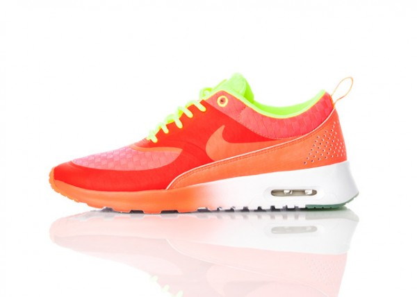 release-reminder-nike-wmns-air-max-thea-woven-pack-4