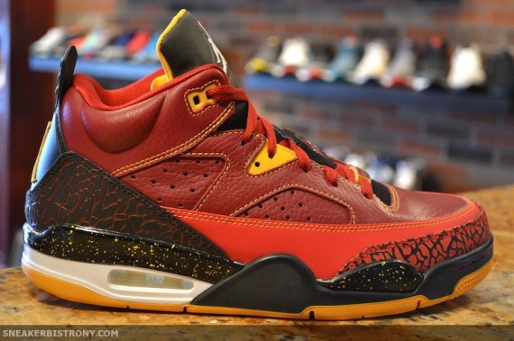 jordan-son-of-mars-low-atlanta-hawks-arriving-at-retailers-02-570x379