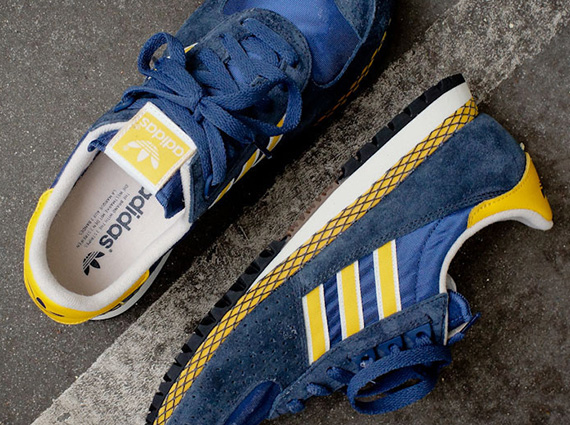 adidas-marathon-pt-navy-yellow