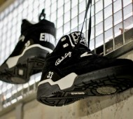 ewing-guard-black-white-4