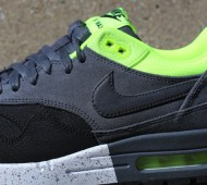 nike-air-max-1-anthracite-black-volt