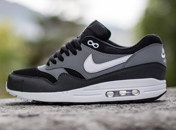 nike-air-max-1-black-geyser-grey-cool-grey-2