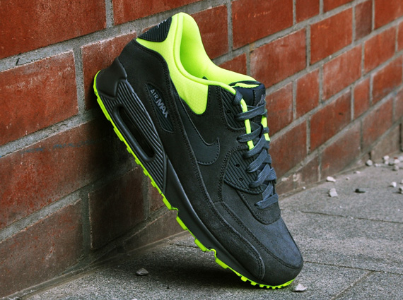nike-air-max-90-prm-dark-grey-volt