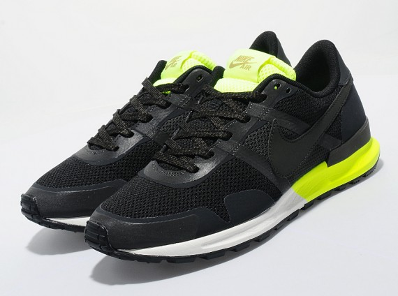 nike-air-pegasus-83-30-black-neon-1-570x424