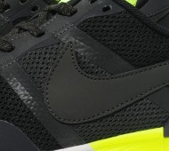 nike-air-pegasus-83-30-black-neon-4-570x640
