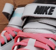 nike-air-revolution-silver-black-red-gamma-1-570x380