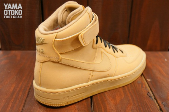 gum-nike-air-force-1-downtown-hi-3-570x379