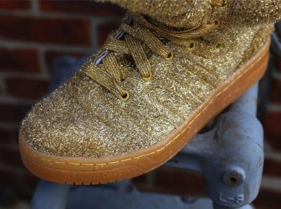 jeremy-scott-adidas-gold-bear-retail-3-570x424