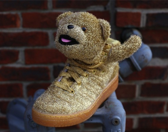 jeremy-scott-adidas-gold-bear-retail-4-570x449