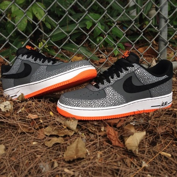 nike-air-force-1-safari-release-date-01-570x570