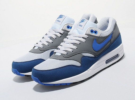 nike-air-max-1-blue-grey-white-01-570x424