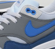 nike-air-max-1-blue-grey-white-03-570x640