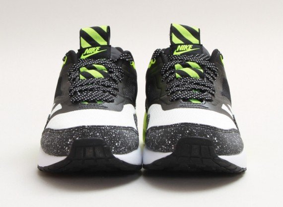 nike-air-max-1-night-run-summit-white-black-volt-01-570x417