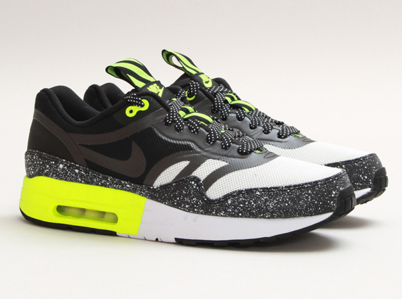 nike-air-max-1-night-run-summit-white-black-volt