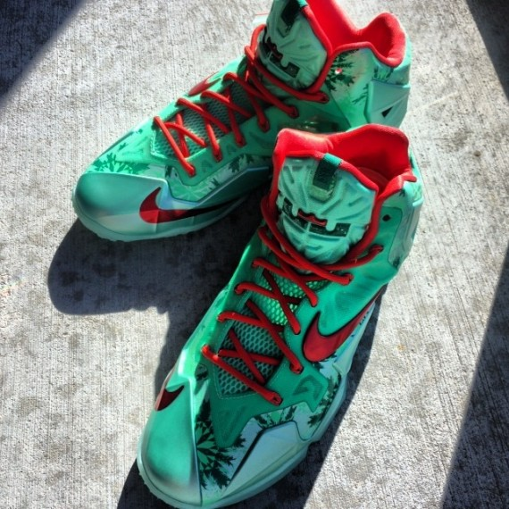 Lebron 11 Christmas Shirt